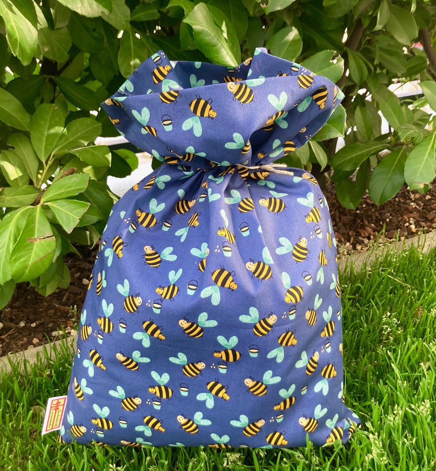 Alles Einfach: Bienchen-Geschenkstoff-Sackerl